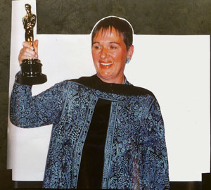 Lindy Hemming with her Oscar for 'Topsy Turvy'