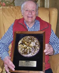 Ray Harryhausen with his VES Lifetime Achievement Award